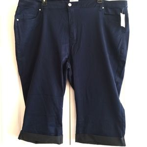 NEW Catherine's Sateen Stretch capri pants Navy